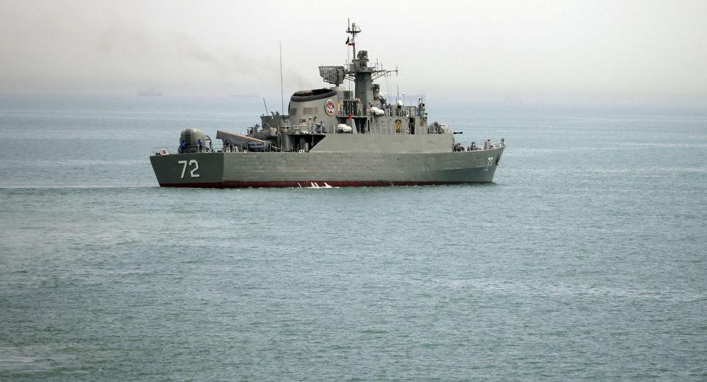 Íránská vojenská loď Alborz