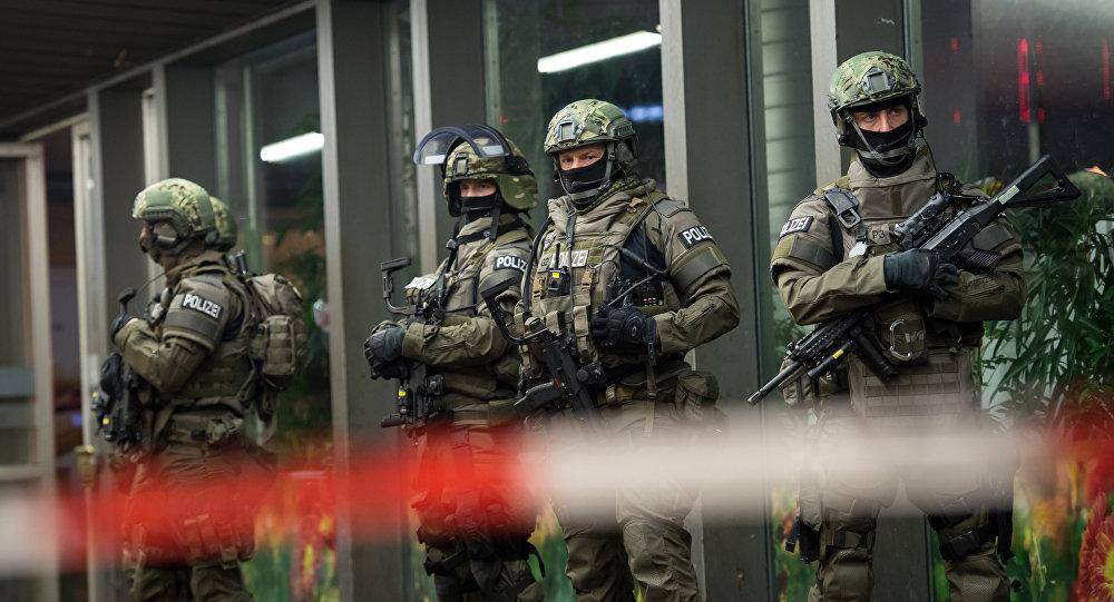 Mnichovská policie získala konkrétní údaje o naplánovaném teroristickém činu na nádražích.