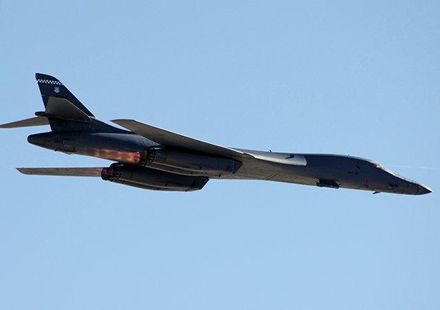 Bombardér USA B-1B Lancer