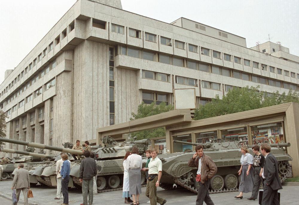 RIA Novosti, čas na změny. Historie začíná zprávou