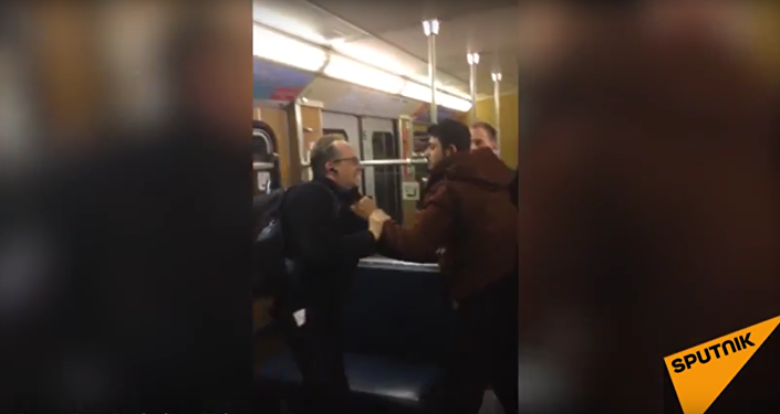 Migranti zaútočili na dva seniory v mnichovském metru