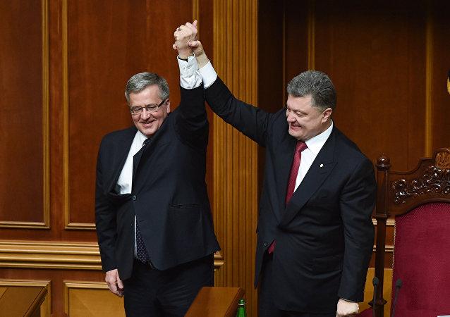 Polský prezident Bronisław Komorowski a ukrajinský prezident Petro Porošenko