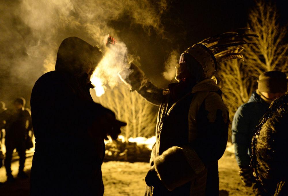 Šamani oslavují svátek Šagaa v Tuvě