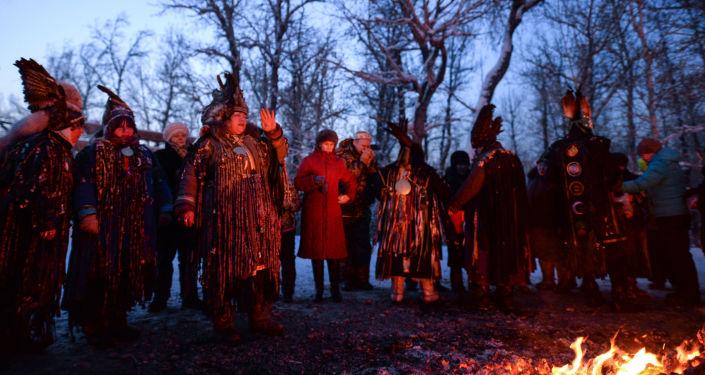 Šamani oslavují svátek Šagaa v Tuvě, ilustrační foto