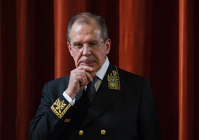 Ruský ministr zahraničí Sergej Lavrov v uniformě pro diplomaty
