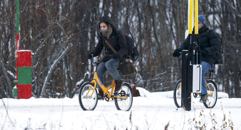Migranti na rusko-norské hranici