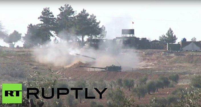 Turecká armáda střílí na kurdské síly v Sýrii