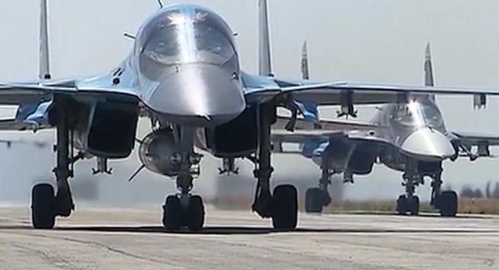 Ruská vojenská letadla směřují domů se začátkem vojenského stahování