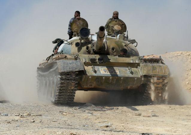 Syrská armáda v Karajtínu