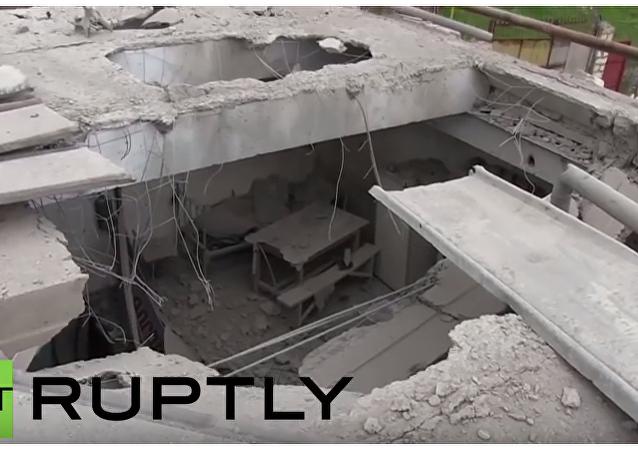 Následky ostřelování v obytné čtvrti a na vojenské základně v Náhorním Karabachu