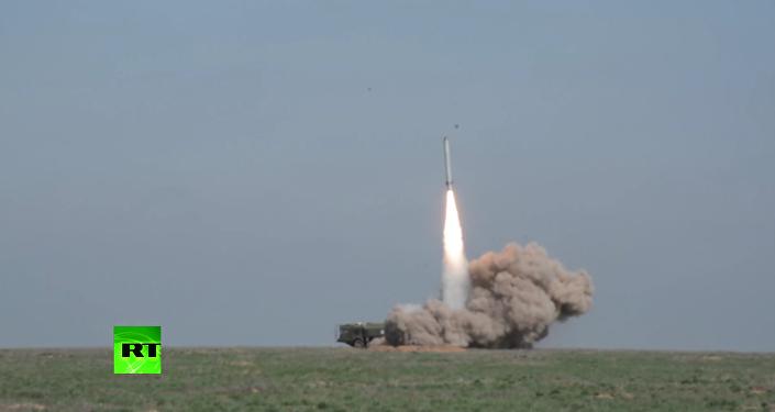 Bojový start křídlaté rakety Iskander-M na cíl