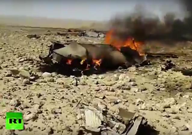 Na internetu se objevilo video údajně z místa katastrofy MiG-23 v Sýrii