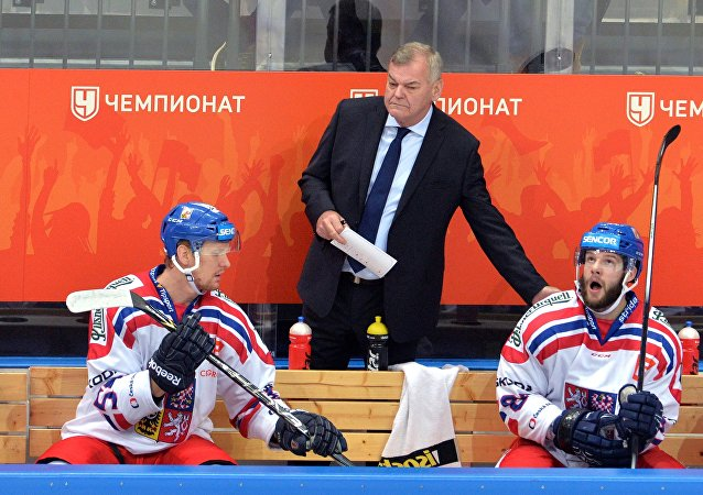 Hlavní trenér českého týmu Vladimír Vůjtek