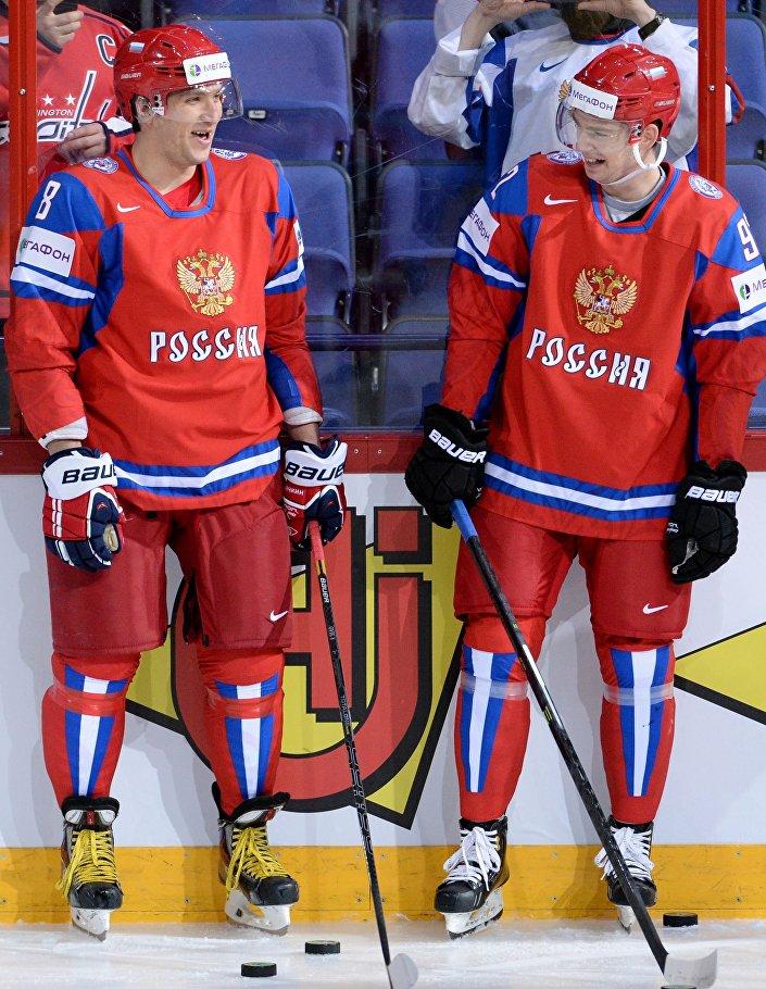 Alexandr Ovečkin a Jevgenij Kuzněcov