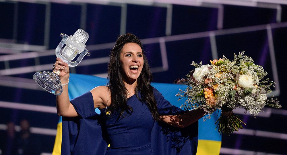 Ukrajinská vítězka Jamala během Eurovize 2016