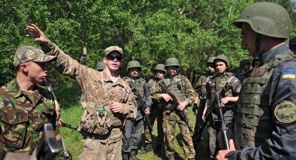 Cvičení amerických a ukrajinských vojáků