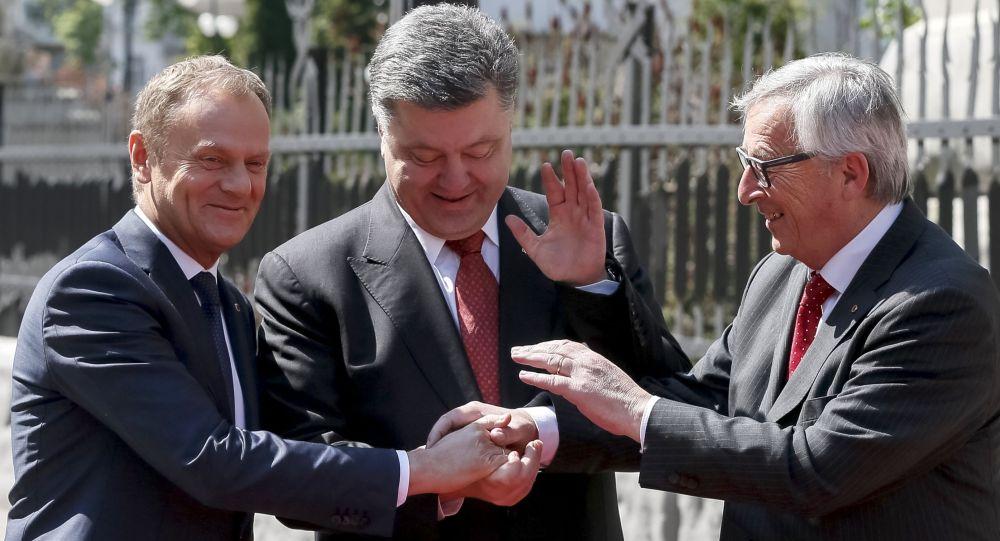 Předseda Rady Evropy Donald Tusk, ukrajinský prezident Petro Porošenko, Předseda Evropské komise Jean-Claude Juncker
