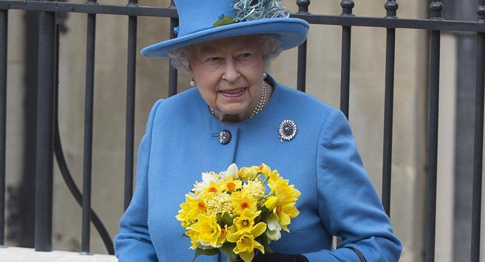 Její Veličenstvo královna Alžběta II.
