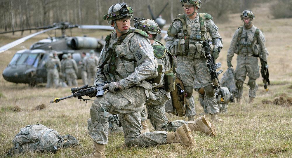 Cvičení amerických vojáků. Ilustrační foto