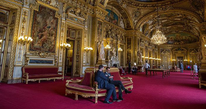 V budově senátu