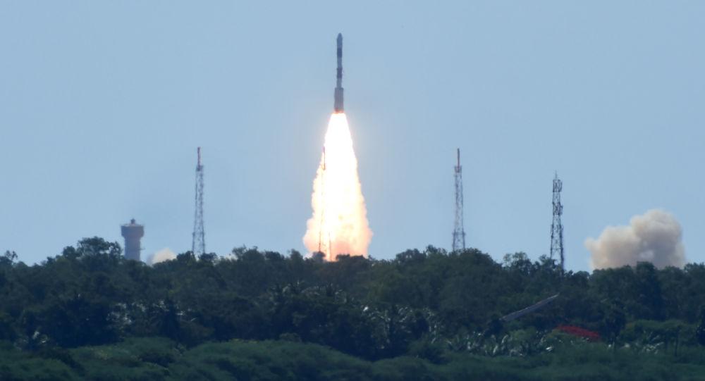 Start indické nosné rakety PSLV-C34