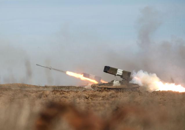 Raketomet TOS-1A