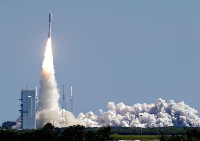 Start nosné rakety Atlas V