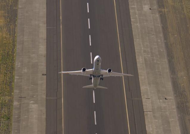 Vertikální start dopravního letadla: ohromující video