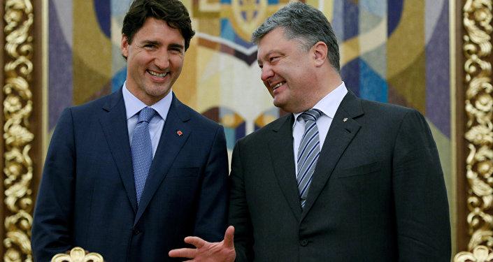 Kanadský premiér Justin Trudeau a ukrajinský prezident Petro Porošenko