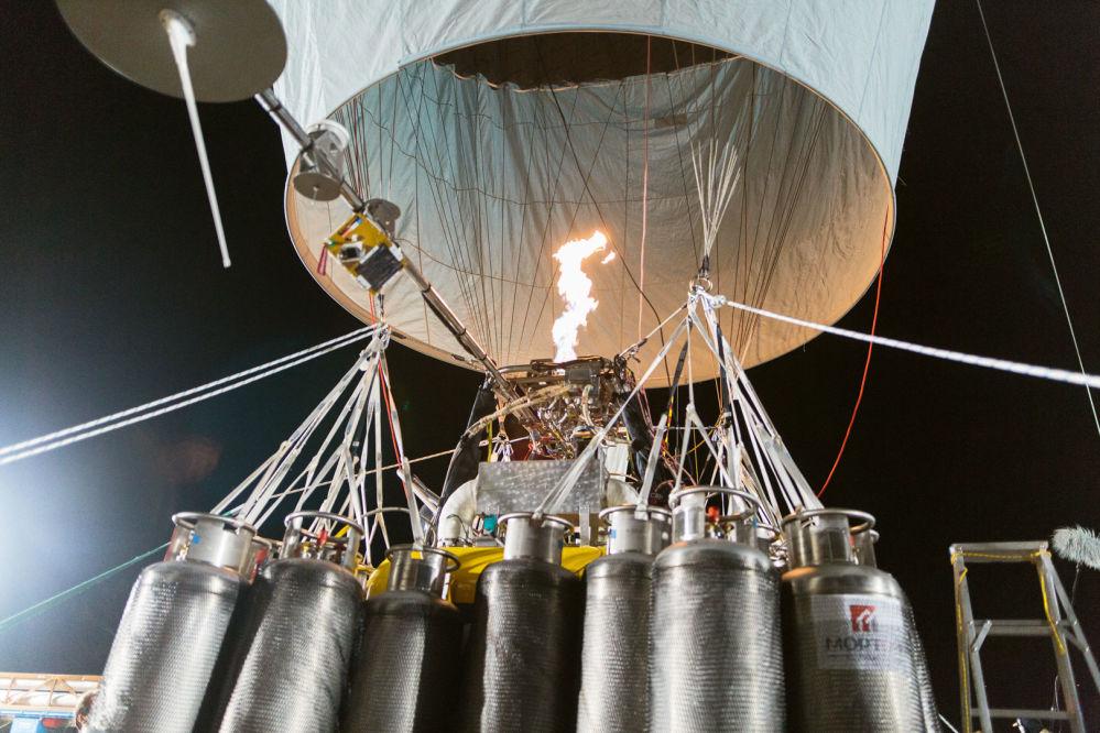 Ruský cestovatel Fjodor Koňuchov se vydal na cestu kolem světa v balónu