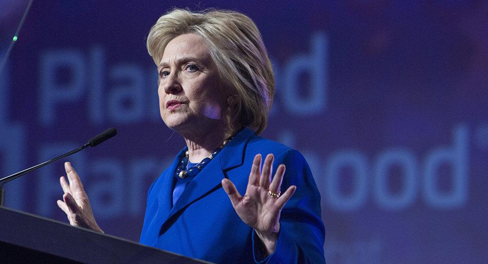 """Clintonová nazvala vstup vojsk do Sýrie nebo Iráku """"snem IS"""""""