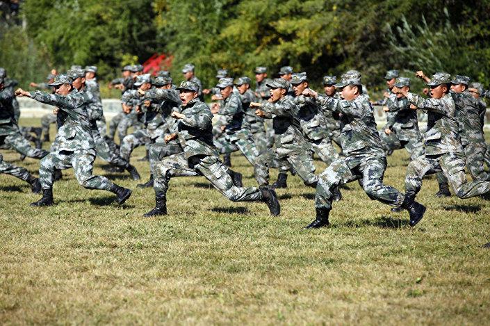 Vojáci lidové osvobozenecké armády