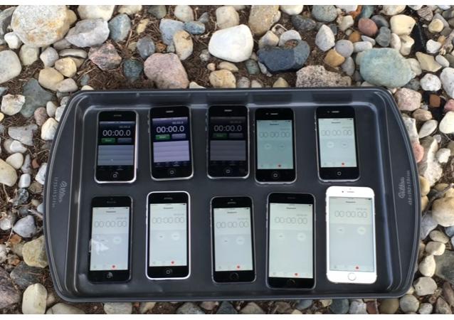 Videoblogger se rozhodl prověřit odolnost všech modelů iPhone proti ohni