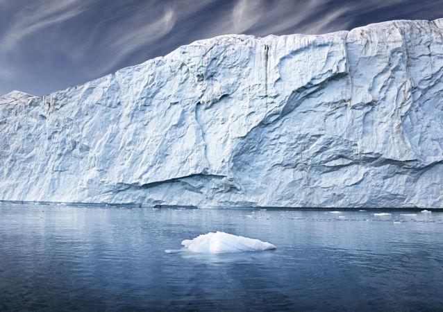 Ledovce v Grónsku. Archivní foto