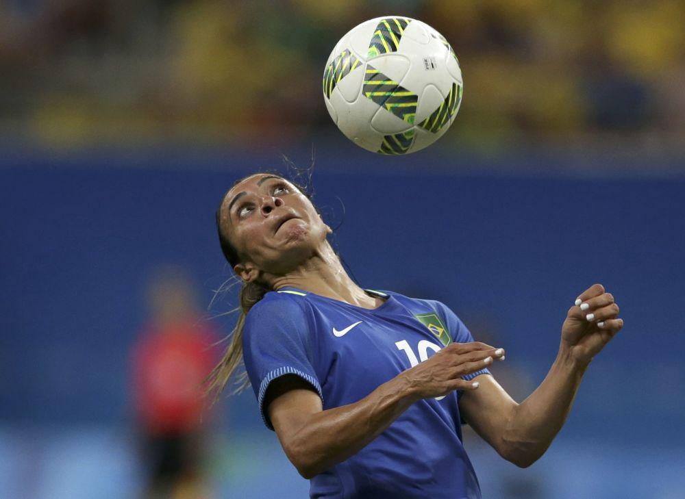 Marta z Brazílie během fotbalového utkání.