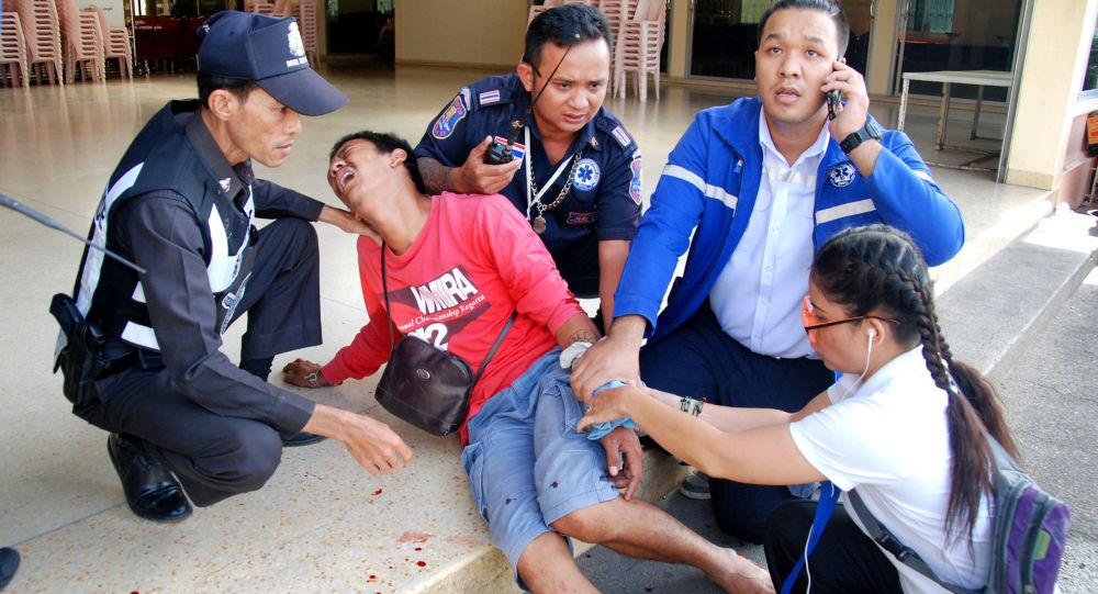 Série teroristických atentátů v thajských lázních.