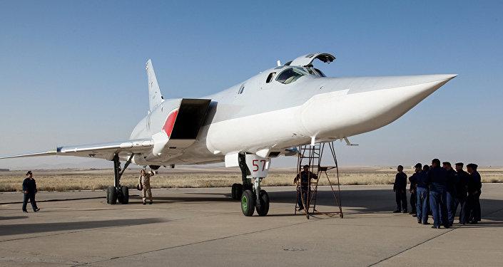 Ruský bombardér Tu-22M3 v Hamadánu