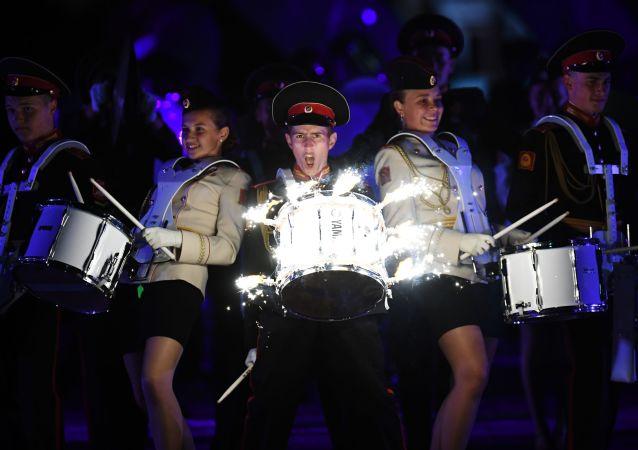Suvorovský orchestr Moskevské vojenské hudební školy