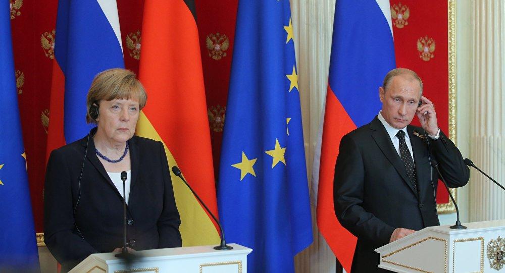 Angela Merkelová a Vladimír Putin.