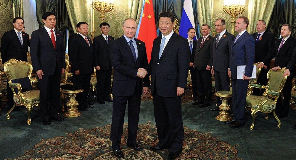 Ruský prezident Vladimir Putin a čínský prezident Si Ťin-pching