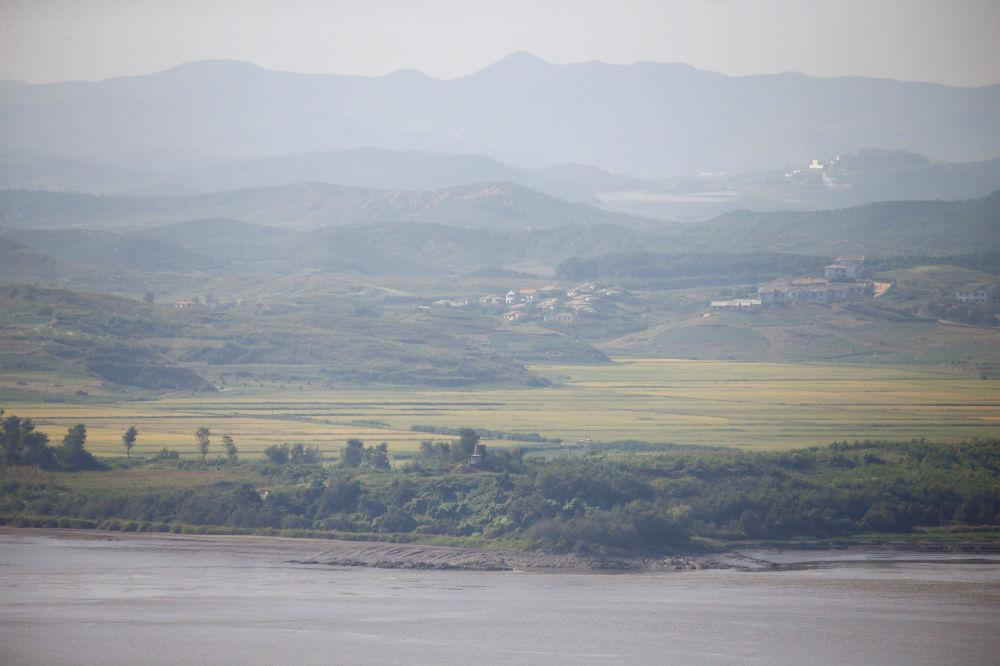 Obec Kijongdong se nachází v severní polovině korejské demilitarizované zóny