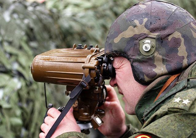 Příslušník ministerstva vnitra RF během cvičení na Krymu
