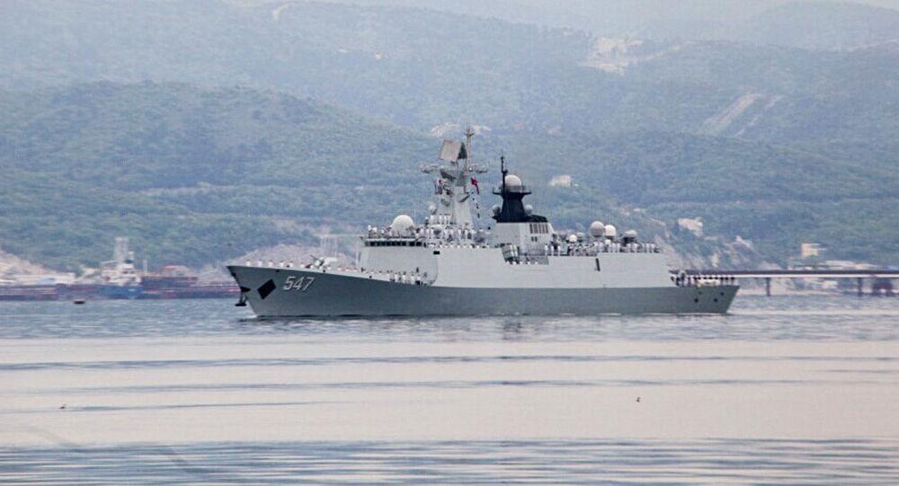 Čínská loď v Novorossijsku