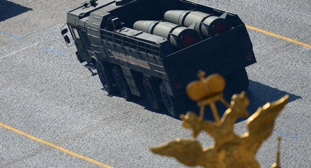 Iskander-M během přehlídky Vítězství