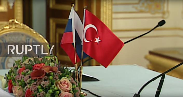 Erdogan a Putin na konferenci