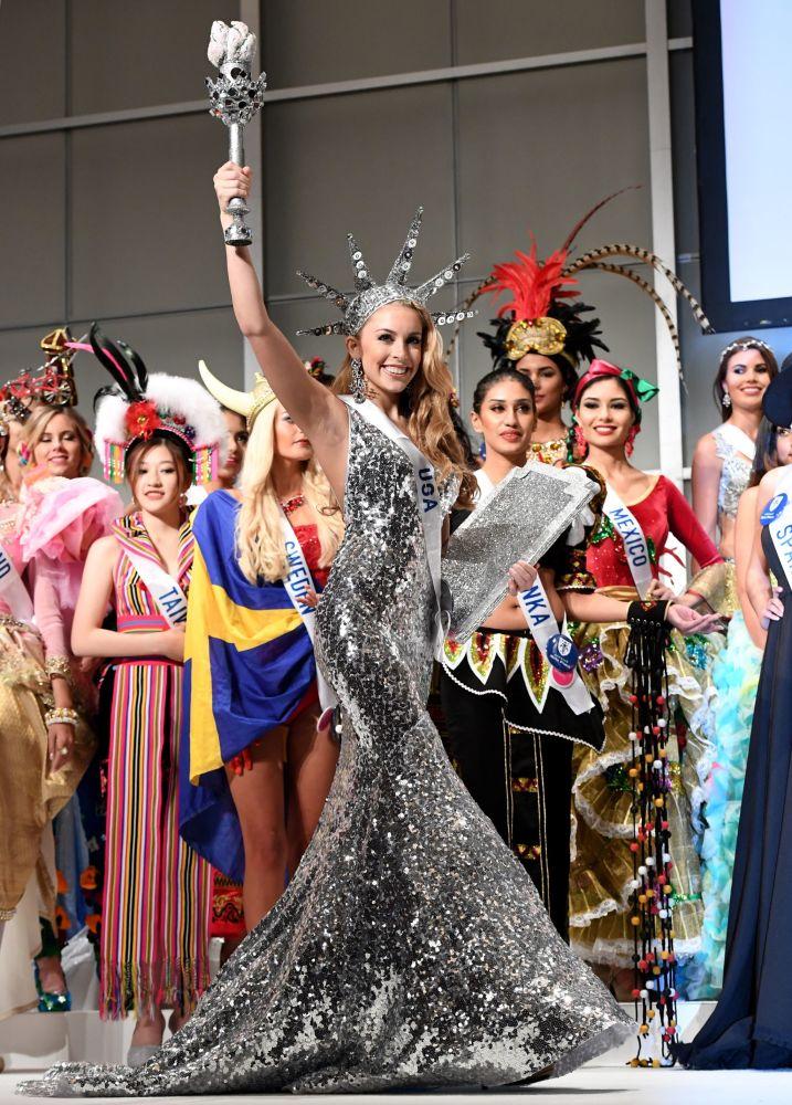 Miss USA Kaitryana Leinbach