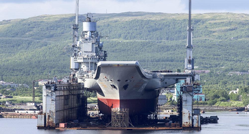 """Der schwere Flugzeugträger """"Admiral Kusnezow"""" der Nordflotte"""