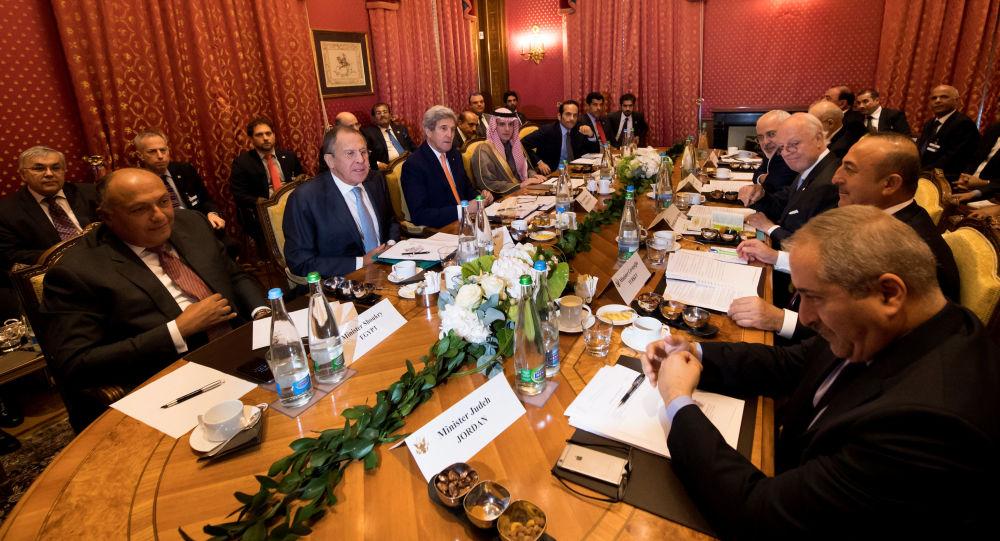 Ministři zahraničí během syrských jednání v Lausanne