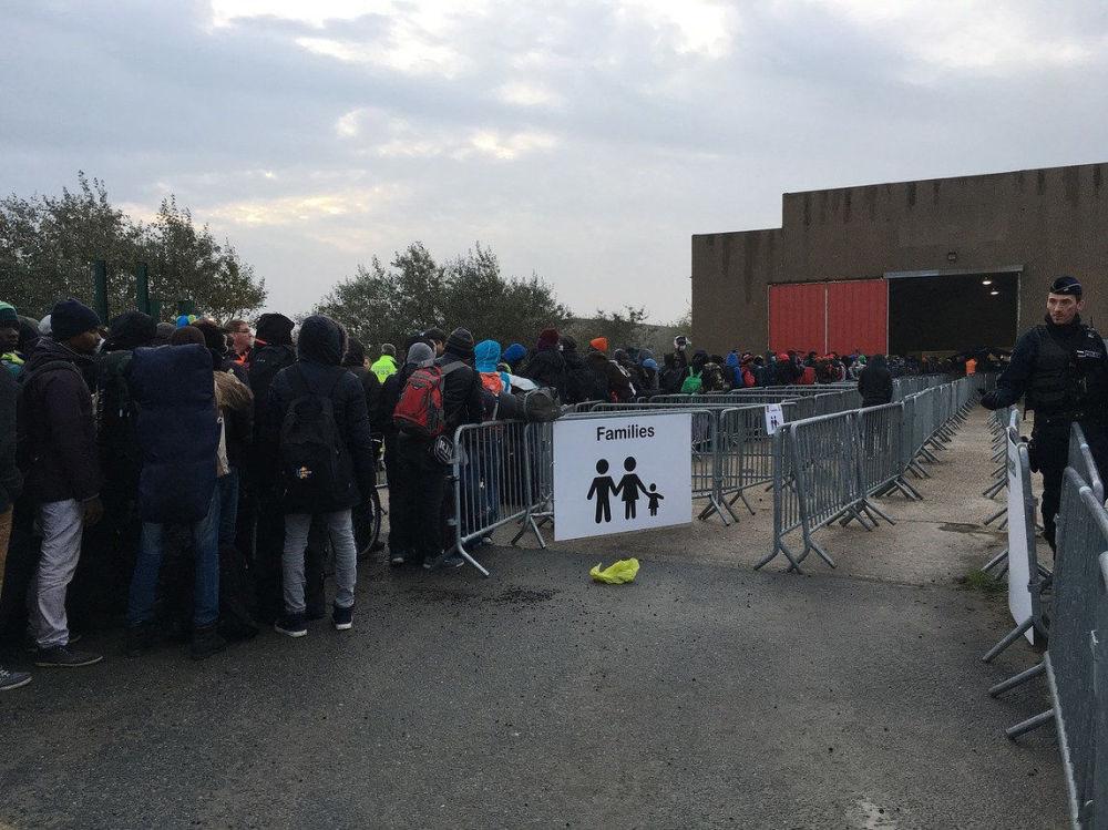 Evakuace migrantů z džungle ve francouzském Calais