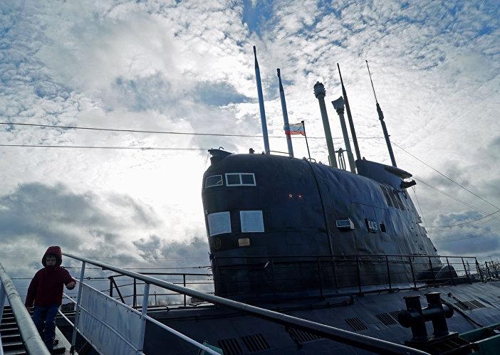 Ponorka B-413 projektu 641 na nábřeží Petra Velikého v Kaliningradu